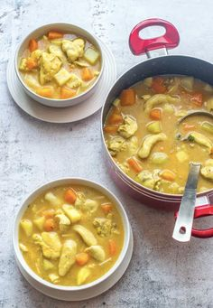 This Jamaican chicken soup recipe is a heart warming broth made from chicken thighs, roots vegetables with a healthy homemade cock soup mix rendition. Jamaican Soup, Jamaican Chicken Soup, Jamaican Recipes, Jamaican Dishes, Steamed Cabbage, Spicy Soup, Caribbean Recipes, Caribbean Food, Girl Cooking