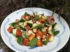 Halloumi, grape and cucumber salad - CookTogether