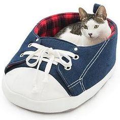 Sneaker Pet Bed
