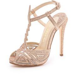 Max Kibardin Franca Glitter Heels (2,560 GTQ) ❤ liked on Polyvore featuring shoes, sandals, heels, sapatos, high heels, footwear, gold, gold platform sandals, gold platform shoes and gold sandals