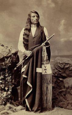 ::::::::: Vintage Photograph ::::::::: Wonderful photograph of Red Shirt Oglala Indian