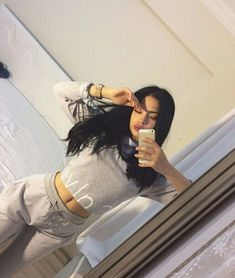 Qm qr esse look ? Lazy Day Outfits, Fancy Dress Outfits, Chill Outfits, Dope Outfits, Everyday Outfits, Cabelo Log Bob, New Fashion Clothes, Fashion Outfits, Poses Photo