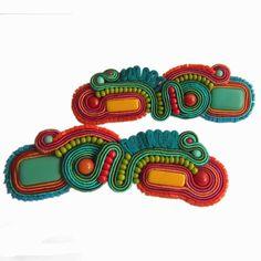 PAGONY/BROSZKI Fabric Jewelry, Fiber, Textiles, Brooch, Soutache Earrings, Accessories, Workshop, Jewellery, Brooch Pin