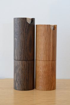 Salt and pepper mill set by tealandgold on Etsy [Stained oak or ash? Wood Turning Projects, Wood Projects, Restaurant Table Tops, Earthy Decor, Candle Power, Design Industrial, Salt And Pepper Mills, Pots, Wood Planters