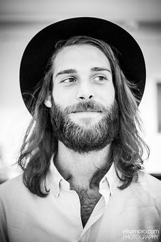.He is a man. He has a beard. Therefore I shall put this photo in Men With Beards.