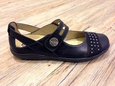 REMONTE Damenschuhe in Übergrößen bei schuhplus. Große Schuhe im 900 qm großen Fachgeschäft für Schuhe in Übergrößen bei schuhplus in 27313 Dörverden bei Bremen oder im Webshop unter www.schuhplus.com