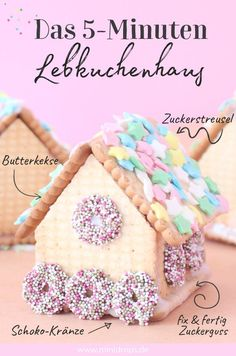 Make gingerbread house from butter biscuits quite easy - Minidrops - DIY & Party Ideen - Weihnachten Homemade Gingerbread House, Cardboard Gingerbread House, Gingerbread House Template, Cool Gingerbread Houses, Gingerbread House Designs, How To Make Gingerbread, Christmas Gingerbread House, Gingerbread Cookies, Christmas Ideas