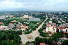 Bắc Kạn là một tỉnh miền núi thuộc vùng Đông Bắc Việt Nam, địa hình bị chi phối bởi những dãy núi vòng cung quay lưng về phía đông xen lẫn với những thung lũng. Do địa hình phức tạp, cơ sở vật chất và kinh tế Bắc Kạn chưa phát triển.