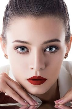 beauty by Feng yi on Most Beautiful Faces, Beautiful Lips, Gorgeous Women, Celebrity Faces, Photoshoot Makeup, Interesting Faces, Cute Faces, Woman Face, Beauty Photography