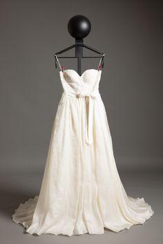 Girls Dresses, Flower Girl Dresses, Wedding Dresses, Fashion, Bride Groom, Dress Wedding, Sell Wedding Dress, Flower Girl Gown, Silk