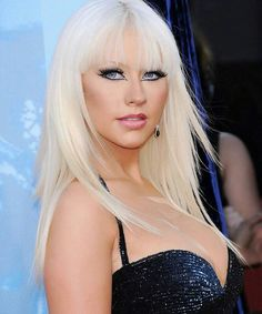 Top 40 Most Beautiful Hair Looks of Christina Aguilera – Celebrities Female Medium Curls, Short Curls, Big Curls, Short Bangs, Medium Hair Cuts, Wavy Haircuts, Retro Hairstyles, Down Hairstyles, Blonde Hair Looks