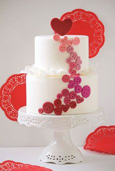 Heart Wedding Cake Idea: Hearts and Buttons
