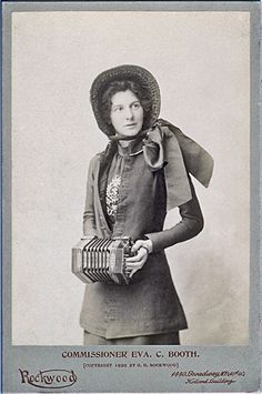 The #SalvationArmy Commisioner Evangeline Booth in New York City, 1896, with her Jeffries anglo Concertina