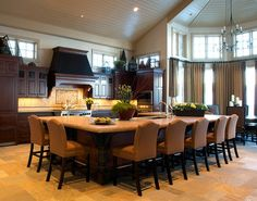 New kitchen island with seating for 8 chairs ideas Large Kitchen Island, Kitchen Island With Seating, Big Kitchen, Big Island, Warm Kitchen, Island Bar, Grand Island, Awesome Kitchen, Luxury Kitchens
