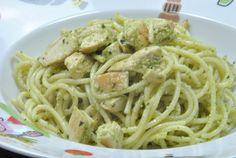 Espaguetis con Pollo y Pesto