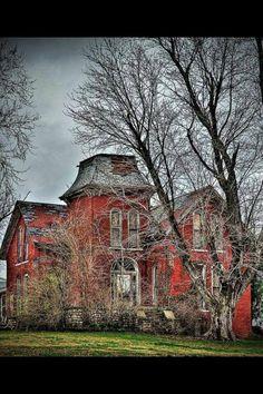 Abandoned house..wish it was mine....