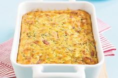 Ham and Zucchini tart. This is a great dish for outdoor eating, as it travels well and can be eaten warm or at room temperature. Tart Recipes, Cooking Recipes, Magic Cake Recipes, Quiche Recipes, Savoury Recipes, Sweets Recipes, Zucchini Tart, Zucchini Fritters, Retro Recipes