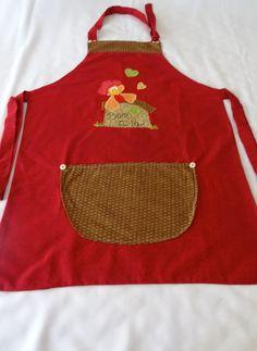Lindo avental em tecido 100% algodão, aplicação em Patchwork. Bolso e amarras arrustáveis. R$68,00