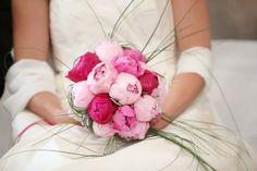 Résultats Google Recherche dimages correspondant à http://www.mariages.net/img_e_45569/5/5/6/9/pivoine-mariage-bouquet_c4046.jpg