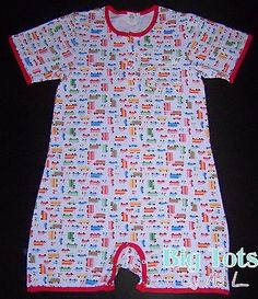 This print will be exclusively sold at Big Tots. I will be designing many more cute prints. A fun new romper made from a spandex fabric, tons of stretch. Made with gusset crotch to give you the extra depth for diaper wearing. Abdl Onesie, Baby Boy Outfits, Cute Outfits, Baby Live, Baby Prints, Spandex Fabric, Baby Dress, Happy Shopping, Body