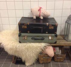 Gamle kufferter som deco.