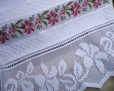 jogo-toalhas-bordado-ponto-cruz-croche-decoracao