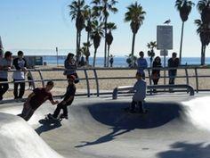 ロサンゼルス・ベニスビーチにあるスケートパーク。