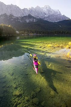 The gorgeous Lake Eibsee, on the way from Germany into Austria! Kayaker paddling on the Eibsee below Zuspitze, Grainau, Bavaria, Germany Best Fishing Kayak, Kayak Camping, Canoe And Kayak, Canoe Boat, Bass Fishing, Fishing Boats, Fishing Games, Catfish Fishing, Ice Fishing