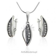 Anka Bizuteria jest wiodącym sklepem internetowym w Polsce, gdzie znajdą Państwo wisiorki srebrne sprzedawane w ofertach, których nie możesz oprzeć i wzory, których nie znajdziesz w nigdzie indziej!