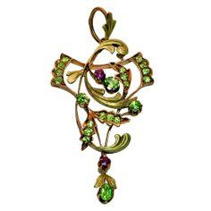 Art Nouveau Demantoid Garnet Two Color Gold  - Pendant - Mosco, Russia   c.1908-1917