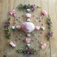 I really like this grid with rose quartz quartz and simple flowers.