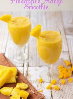 Pineapple-Mango-Smoothies | The Bearfoot Baker    #bearfootbaker #frozentreats #beveragerecipes #pineapple #mango  #smoothies #realfruit #realfruitsmoothies