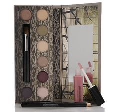 Inspired by the movie, Beautiful Creatures, the Beautiful Creatures Palette comprised of 8 beautiful eye shadows that are great for everyone. The palette also includes an eye liner, lip gloss and eyeshadow brush. #SHOPpur
