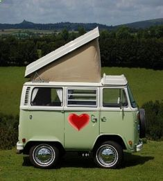 I love VW Campers - adventureideaz.com