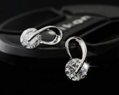 Austria Crystal Wedding pendientes mujer Silver Color Zircon Crystal Stud Earrings Fashion Jewelry for Women brincos Round Earrings, Crystal Earrings, Women's Earrings, Silver Earrings, Rhinestone Earrings, Fashion Earrings, Fashion Jewelry, Women Jewelry, Style Fashion