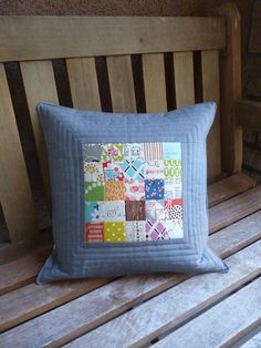Scrappy Square Patchwork Pillow i like the quilting in the grey border! Patchwork Quilting, Patchwork Cushion, Quilted Pillow, Pillow Fabric, Small Quilts, Mini Quilts, Pillow Inspiration, Pillow Ideas, Sewing Pillows