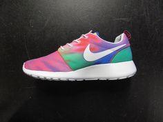 size 40 c1184 dff8c Nike Rosherun Tie-Dye   511881 518   court purple white-ttl-