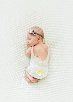 Newborn Photo Prop, Baby Romper, Lace Romper, Ivory, Newborn Girl Outfit  Prop, Baby Photo Outfit, Photography Prop, Newborn Photography. Nouveau-né  ... 5a97e85fcb6