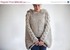 He encontrado este interesante anuncio de Etsy en https://www.etsy.com/es/listing/164885000/on-sale-tweed-beige-angel-sweater