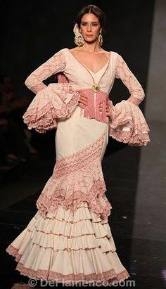 traje de gitana Piece Of Clothing, Couture, Ruffles, Chic, Inspiration, Clothes, Beauty, Beautiful, Dresses