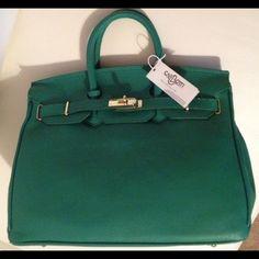 2d5e56f4ea2 Selling this GREEN BIRKIN INSPIRED LEATHER HANDBAG WITH LOCK in my Poshmark  closet! My username is  rpressley.  shopmycloset  poshmark  fashion   shopping ...