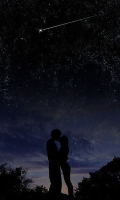 Couple against a star filled night - photo idea