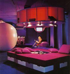Retro-Futurism / Wohnmodell 1969 by Joe Colombo, retro-futuristic furniture, retro-futuristic interior, retro-futuristic home, future house; clean lines; scaled up shapes; Futuristic Interior, Futuristic Furniture, Futuristic Design, Futuristic Bedroom, Retro Interior Design, Retro Design, Pink Design, Estilo Kitsch, Theodora Home