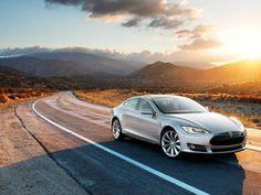 Coupler l'élégance d'une berline de luxe et la technologie de l'automobile électrique poussée à son extrême, c'est le tour de force de Tesla.