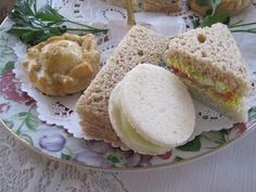 Tea With Friends: Christmas at Holly Cottage Tearoom