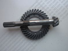 71.99$  Buy here - http://alif2c.worldwells.pw/go.php?t=890400774 -  Dongfeng RM250 DF254 , the spiral crown gear & shank-type spiral bevel pinion, part number: 250.38.118A 71.99$