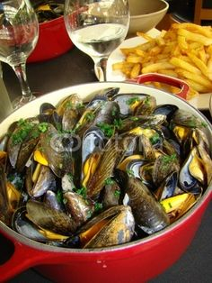 Ooh I miss this! moules et frites   (Typical Belgian dish mussels and fries)