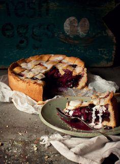 Apple, Ginger & Blueberry Shortcrust Pie - WOW