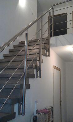 Balustrade met glas en rvs trapleuning met verstek meer info rvs - Railing trap ontwerp ...