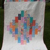 Beginner quilt pattern, precut friendly! - via @Craftsy